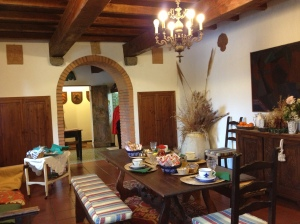 Grand and rustic breakfast room at L'Eremo sul Mare