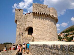 Minceta Tower, along the walls