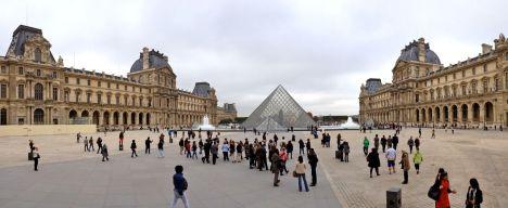 Musee de Louvre in Paris