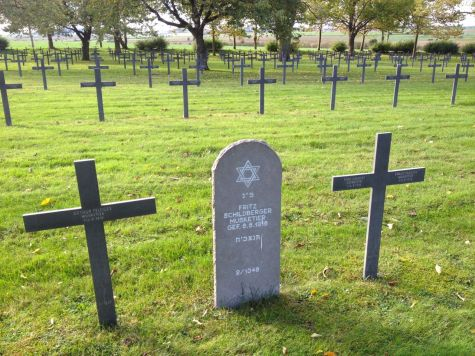 German Jewish soldiers from WWI were buried alongside their fallen German comrades.