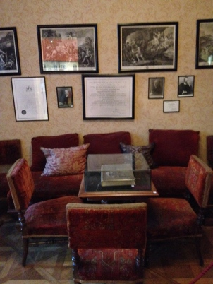 The waiting room, more or less as it was during Freud's time here.