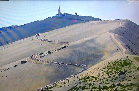 The barren, wind-swept upper slopes of Mt Ventoux (image: RTS Deux)