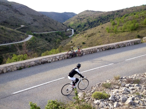 Cycling the arid hills above Vence, leading to the col de Vence.