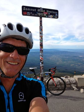 Me Ventoux summit